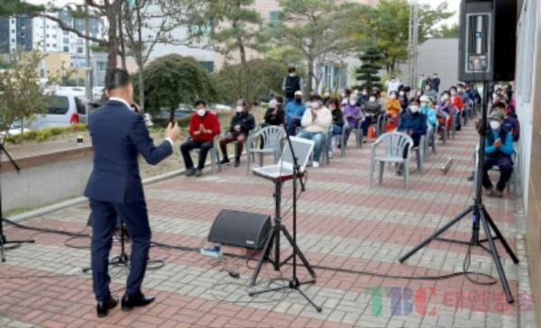태안 소슬바람 버스킹 공연 (1).JPG